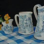 willow pattern jugs